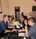 Ragazzi al tavolo