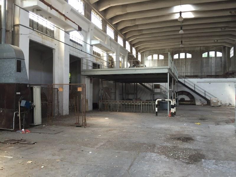 L'interno dell'ex edificio Aem