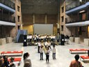 Gli alunni della scuola Govoni di Ferrara recitano l'Aida per il benvenuto al pubblico