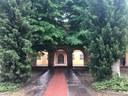 L'ingresso dell'ex asilo Santarelli
