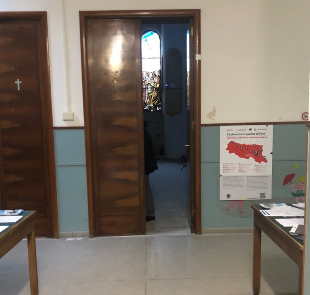 Dentro l'ex asilo Santarelli